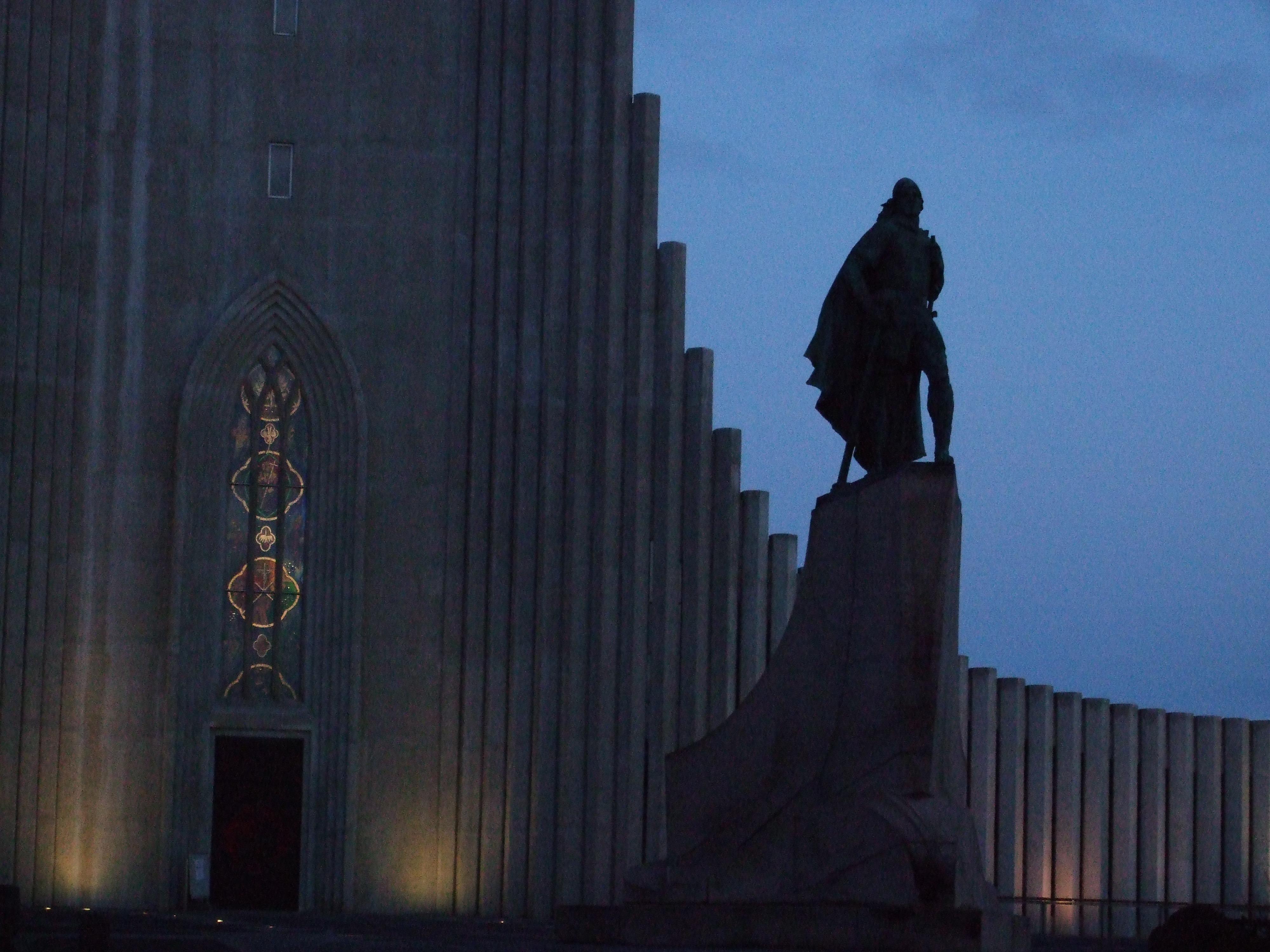Statue of Leifur Eriksson