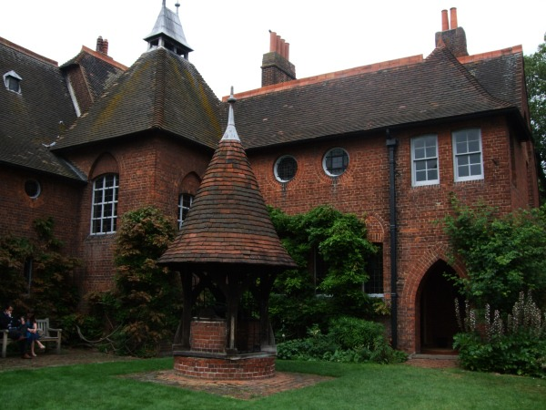 Socialism and wallpaper: the home of William Morris – Red House