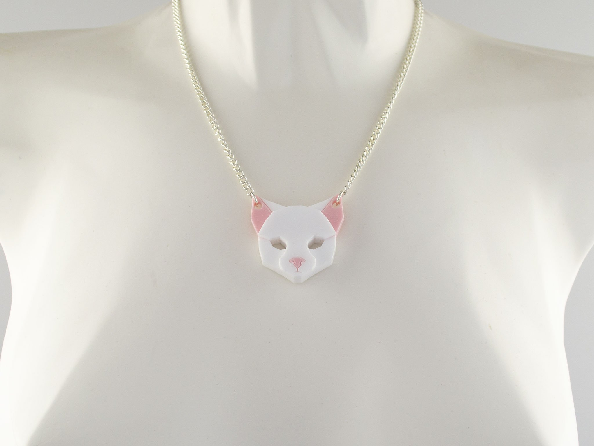 Cat necklace - snow white
