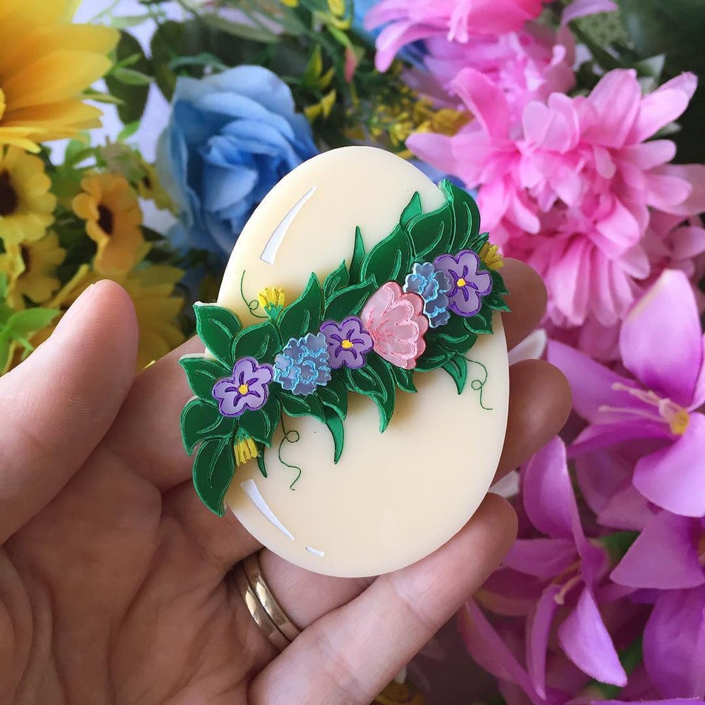 Easter wreath brooch